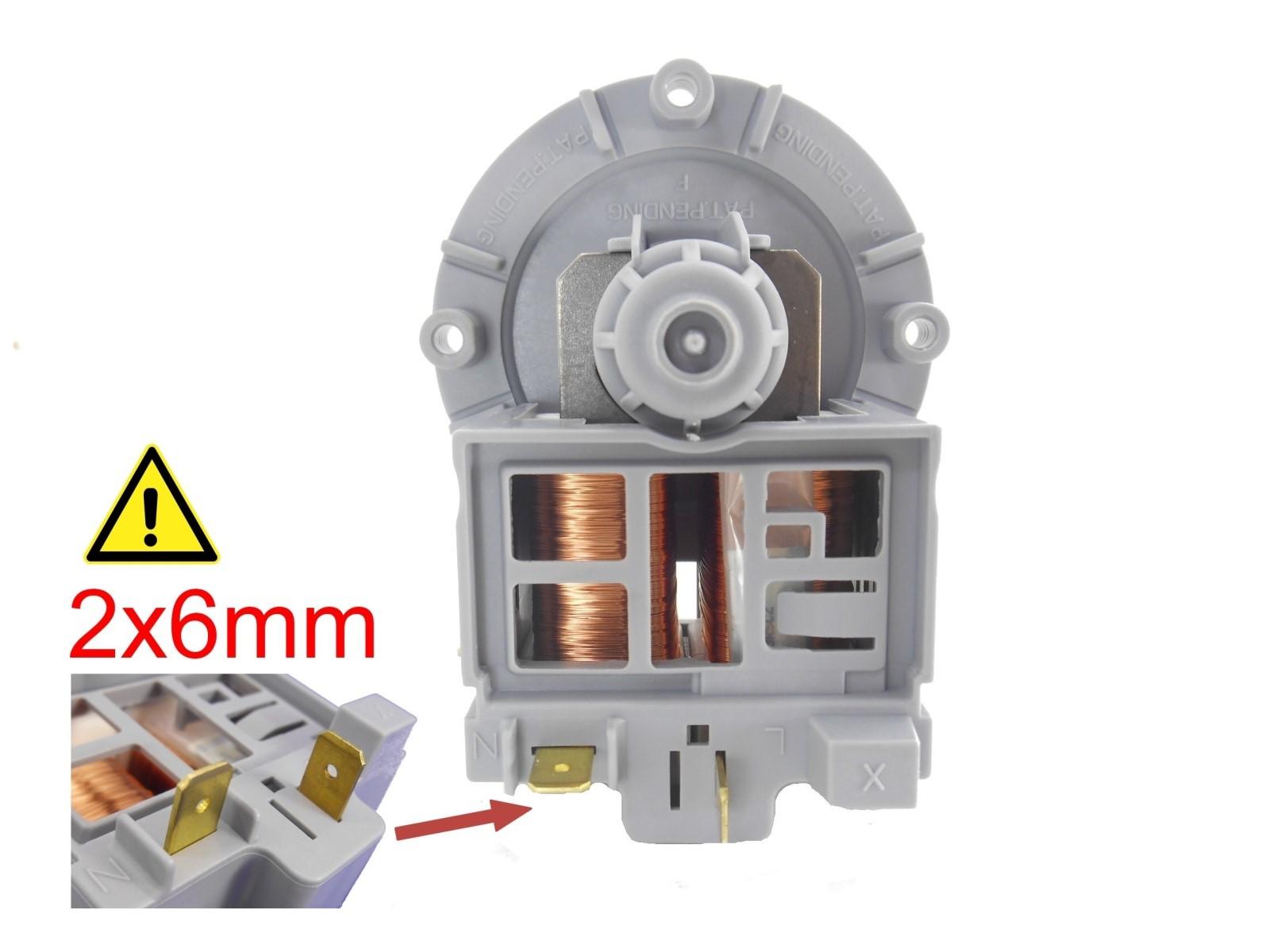 Na obrázku nad tímto textem vidíte konektory pro připojení kabelů, umístěny jednotlivě na spodní straně motorku. Pokud máte takové konektory, klikněte na obrázek. Pokud máte jiné, pokračujte dále ve výběru možností.